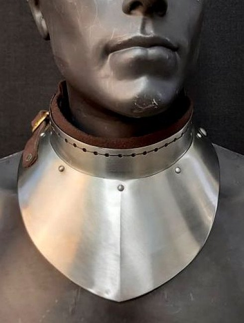 Gorget with front and back neck protection Cuirasses, breastplates and gorgets