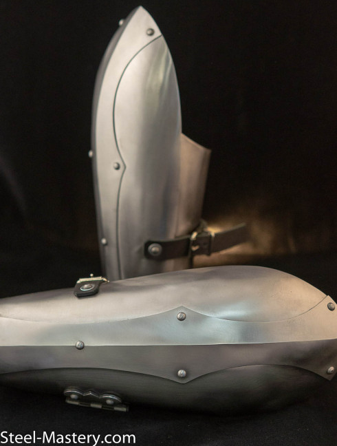 Handcrafted eastern arm defenses Metal bracers, couters and full arms