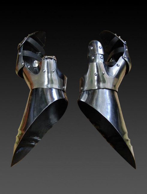 Gloves in the German style - the mid-15th century Metal fingered and mitten gauntlets