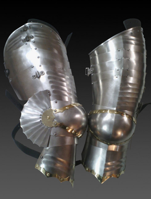 German gothic legs of the second half of the 15th century Metal leg protection