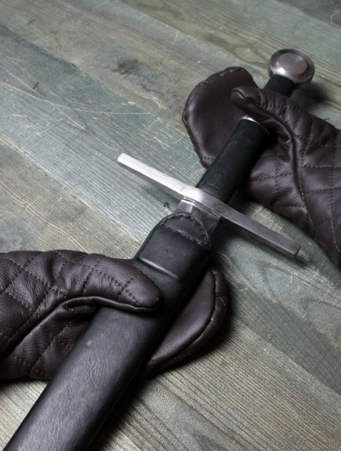 Mail hand protection Scale and mail gauntlets and mittens