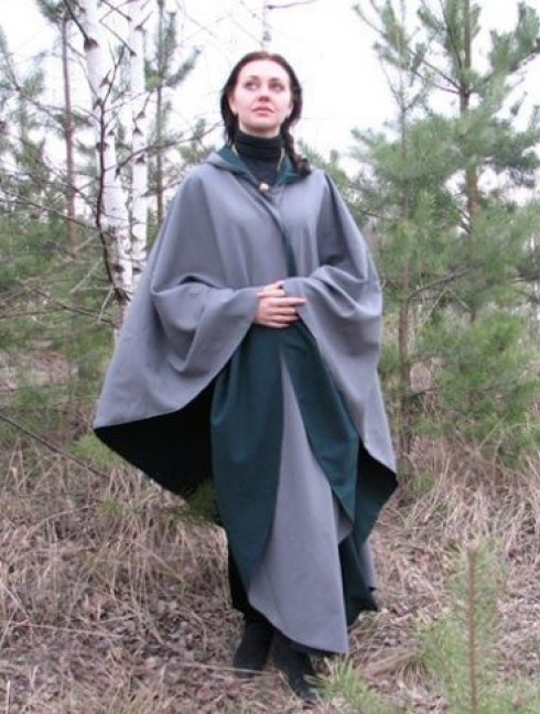 Two-sided cloak with hood Cloaks and capes