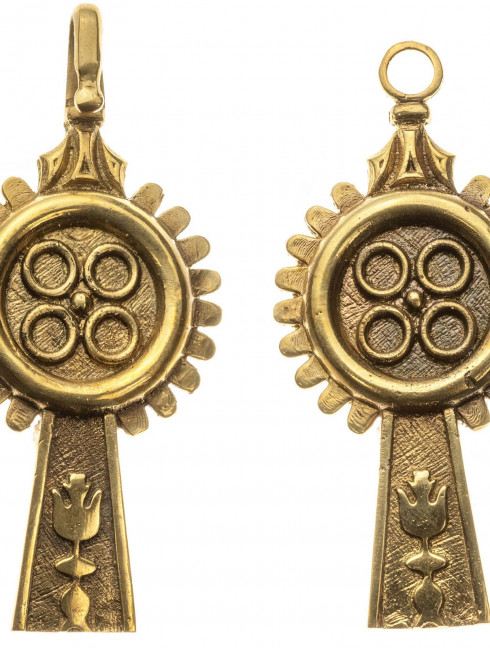 Medieval late gothic custom belt strapend Strapends