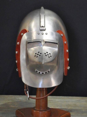 Bascinet of 1380-1410 years, from Higgins Armoury Museum Helmets