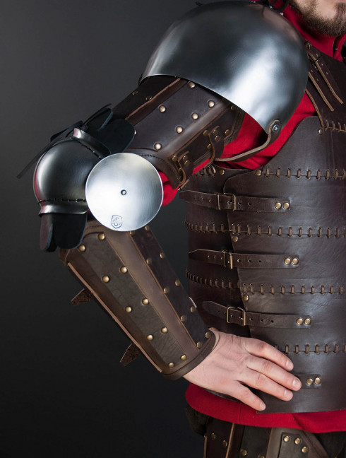 Leather armor costume in style of Bëor the Old Body