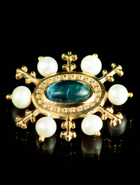 Medieval brooch with blue stone, XV century