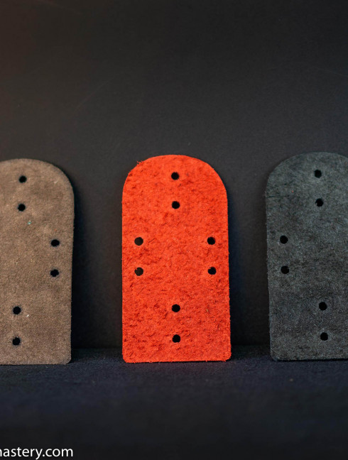 Leather lamellar plates, 8 holes (100 pieces in the set) Lamellar plates