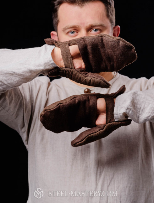 Brown padded mittens