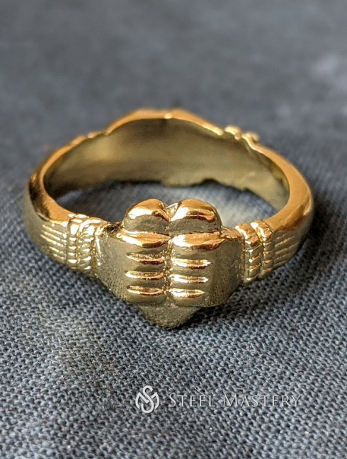 Medieval fede ring, Italy Castings