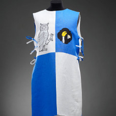 Knight tabard with owl and a skull  image-1