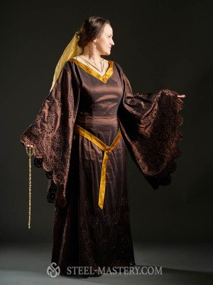 Medieval-inspired Elven Outfit