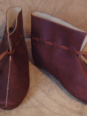 Medieval boots from Hedebu, type 9, short version Old categories