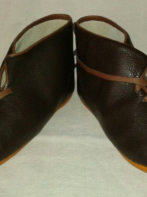Medieval boots from Hedebu, type 9, with leather edging