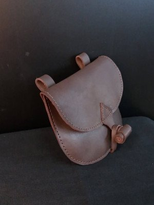Leather bag with valve Bags