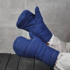 Make your fencing more comfortable in padded mittens!