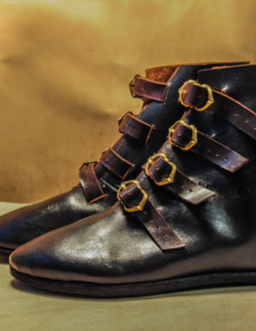 High boots with buckles, 15th century photo made by Steel-mastery.com