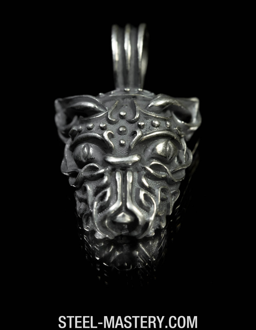 Wolf head necklace pendant  photo made by Steel-mastery.com