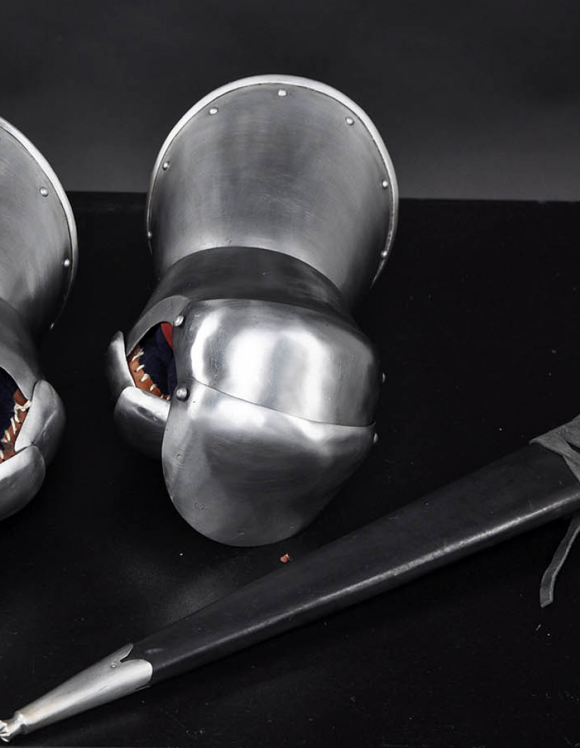 Milanese Style Gauntlets photo made by Steel-mastery.com