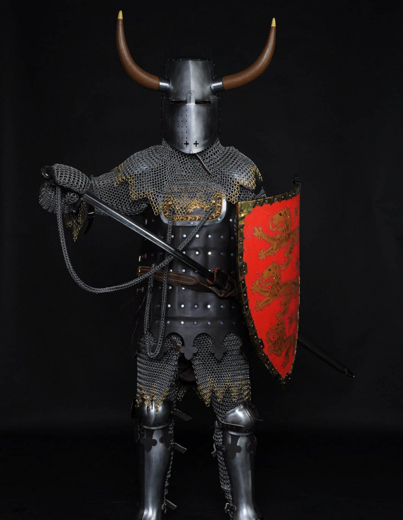 Tophelm with horns - Europe, 13th-14th centuries photo made by Steel-mastery.com
