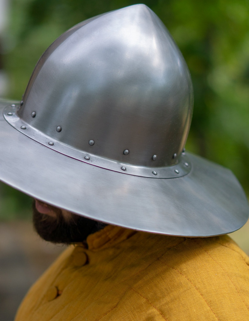 Chapel-de-fer helmet photo made by Steel-mastery.com