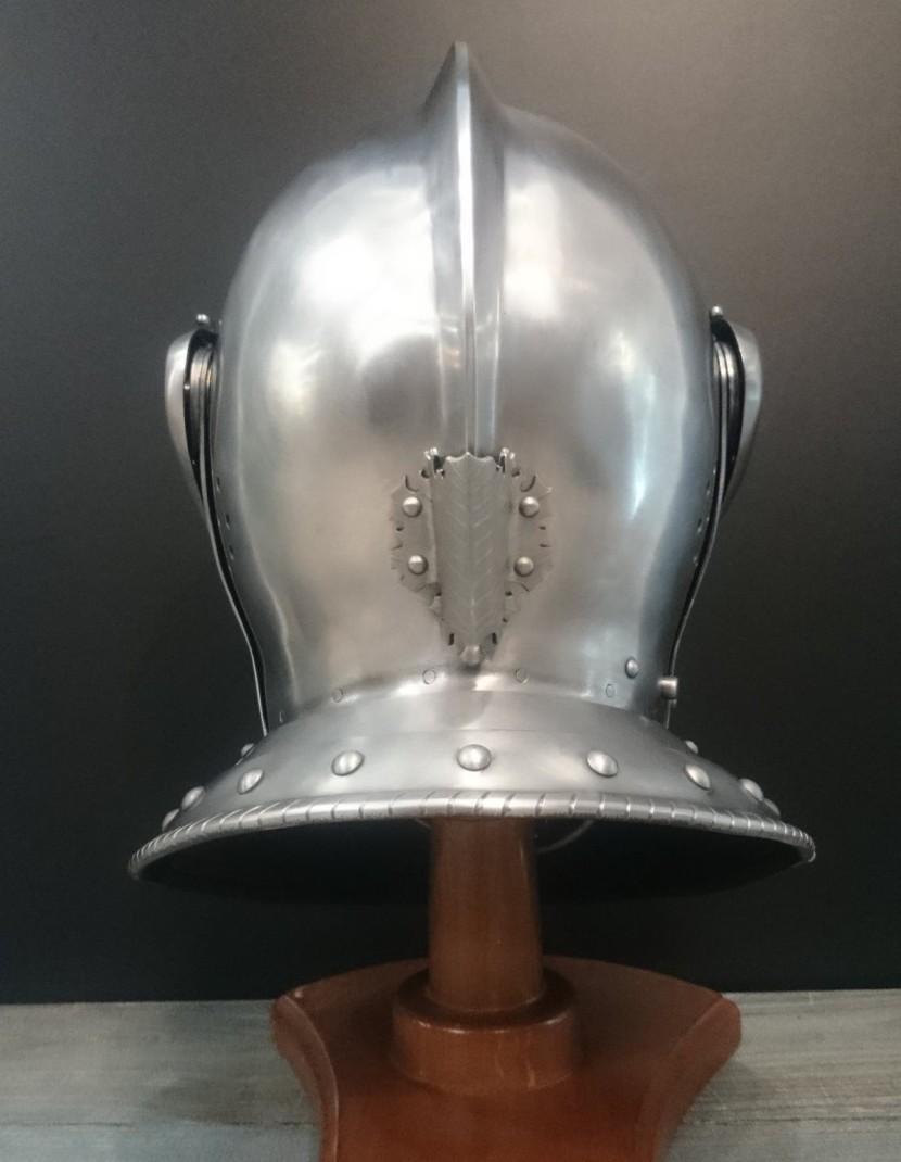 Medieval closed helmet (armet) - 16th century photo made by Steel-mastery.com