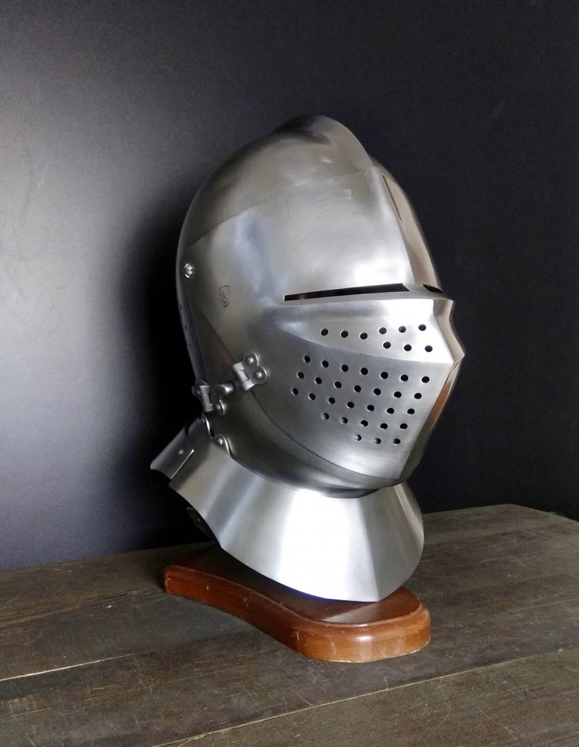 Armet (closed helmet) 15th-16th century photo made by Steel-mastery.com
