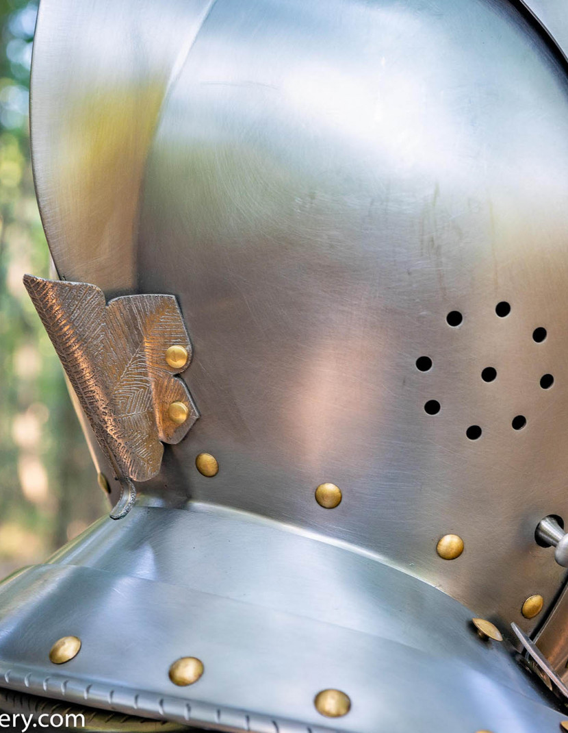 Armet, part of full plate armor (garniture) of George Clifford, end of the XVI century photo made by Steel-mastery.com