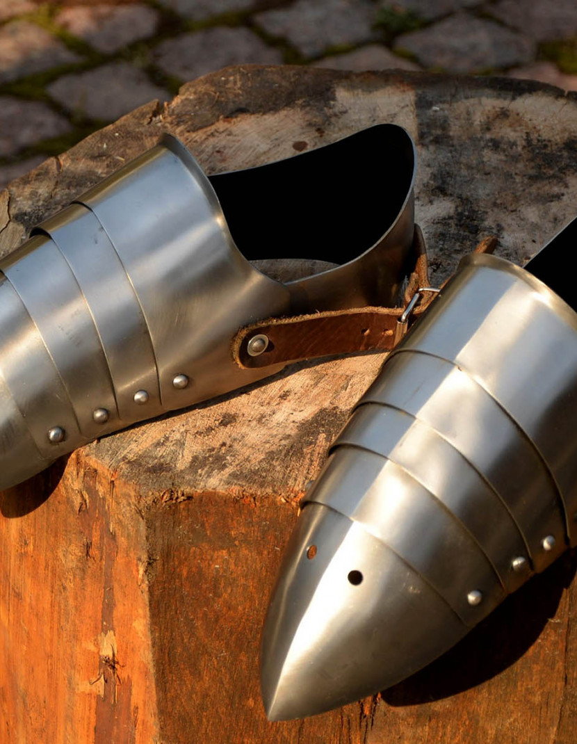 Plate sabatons for modern sword fencing photo made by Steel-mastery.com