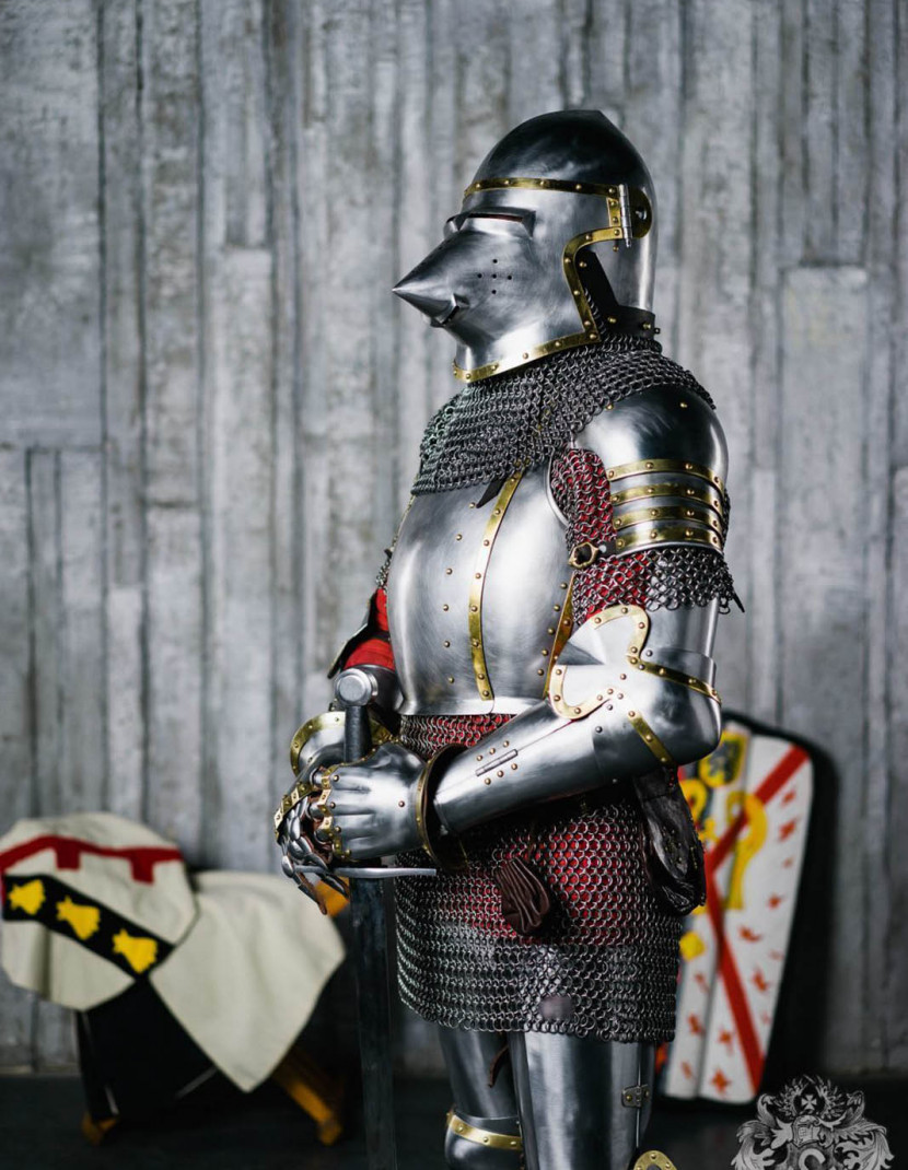 Knights plate shoulders mid-14th century photo made by Steel-mastery.com