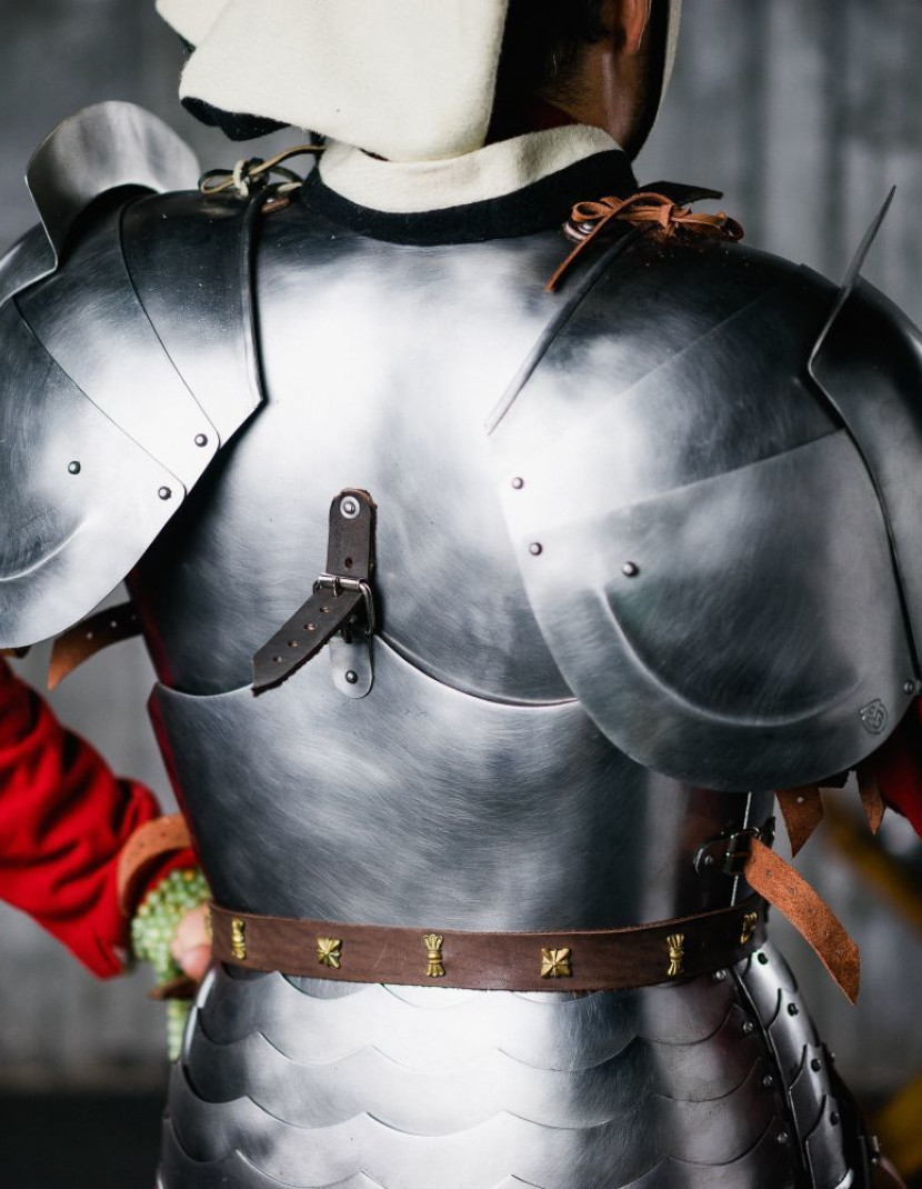 English pauldrons late 15th century photo made by Steel-mastery.com