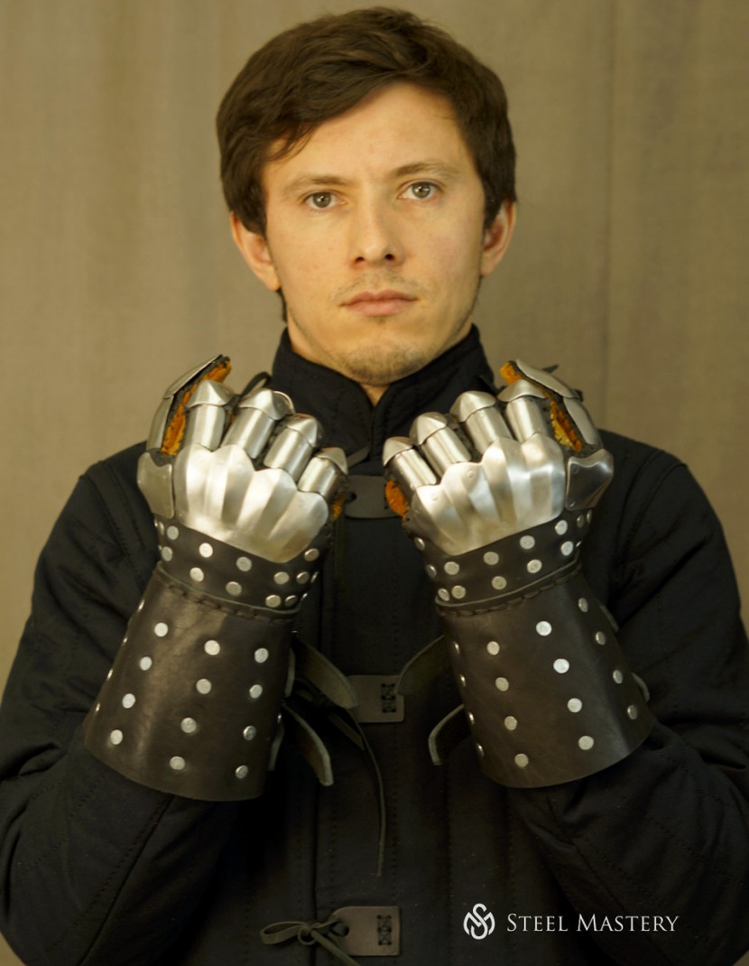 Visby brigandine gloves photo made by Steel-mastery.com