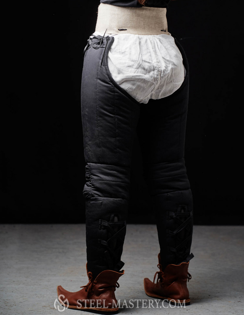 Padded chausses with a kneecap photo made by Steel-mastery.com