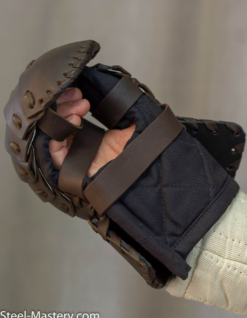 Leather laminar mitten photo made by Steel-mastery.com
