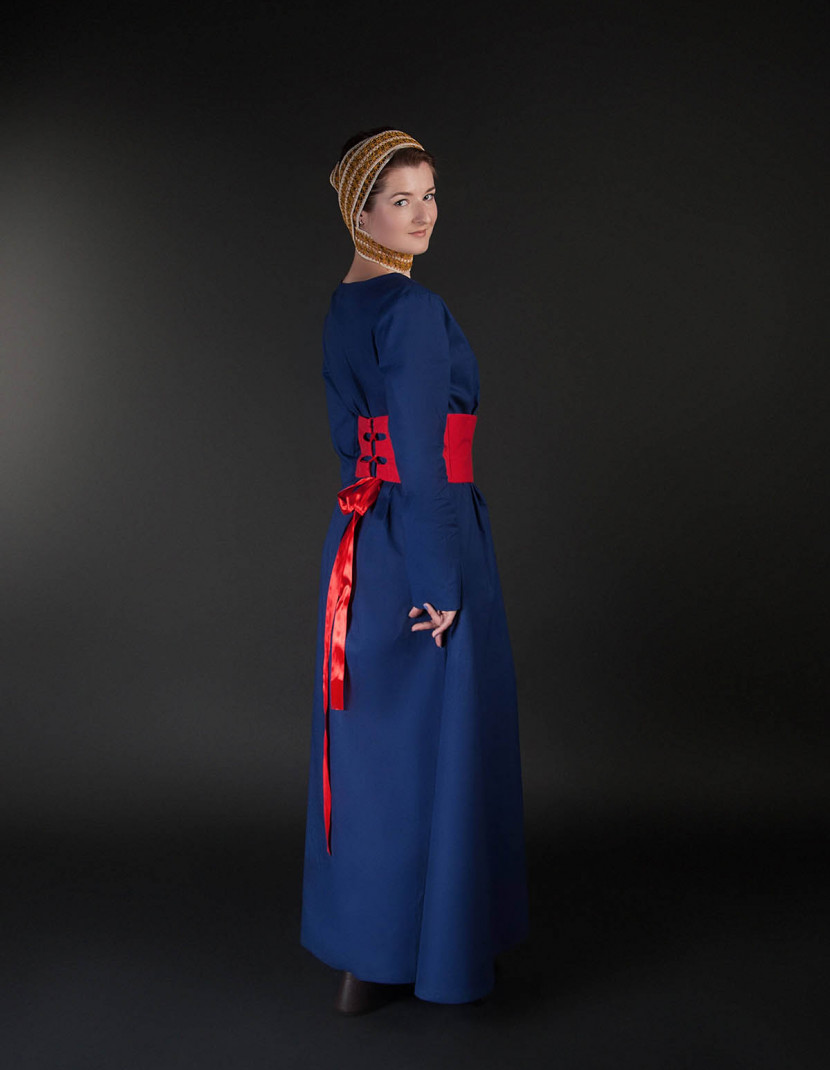 Medieval style dress with wide belt photo made by Steel-mastery.com