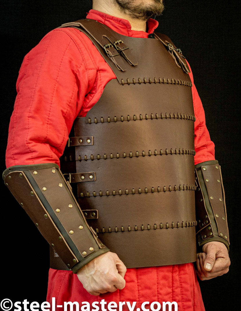 Leather armor costume in style of Bëor the Old photo made by Steel-mastery.com