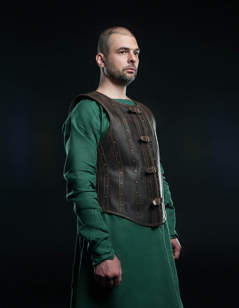 Leather vest in Renaissance style photo made by Steel-mastery.com