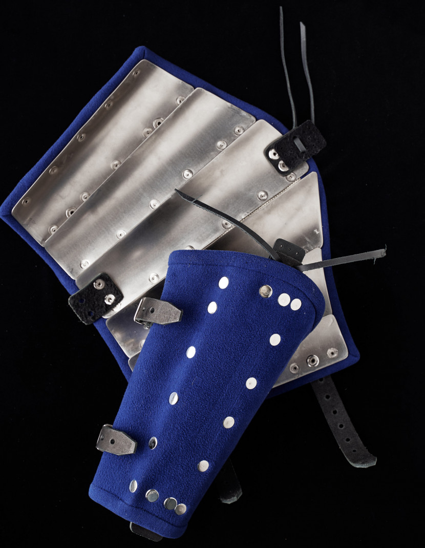 Woolen brigand bracers  photo made by Steel-mastery.com