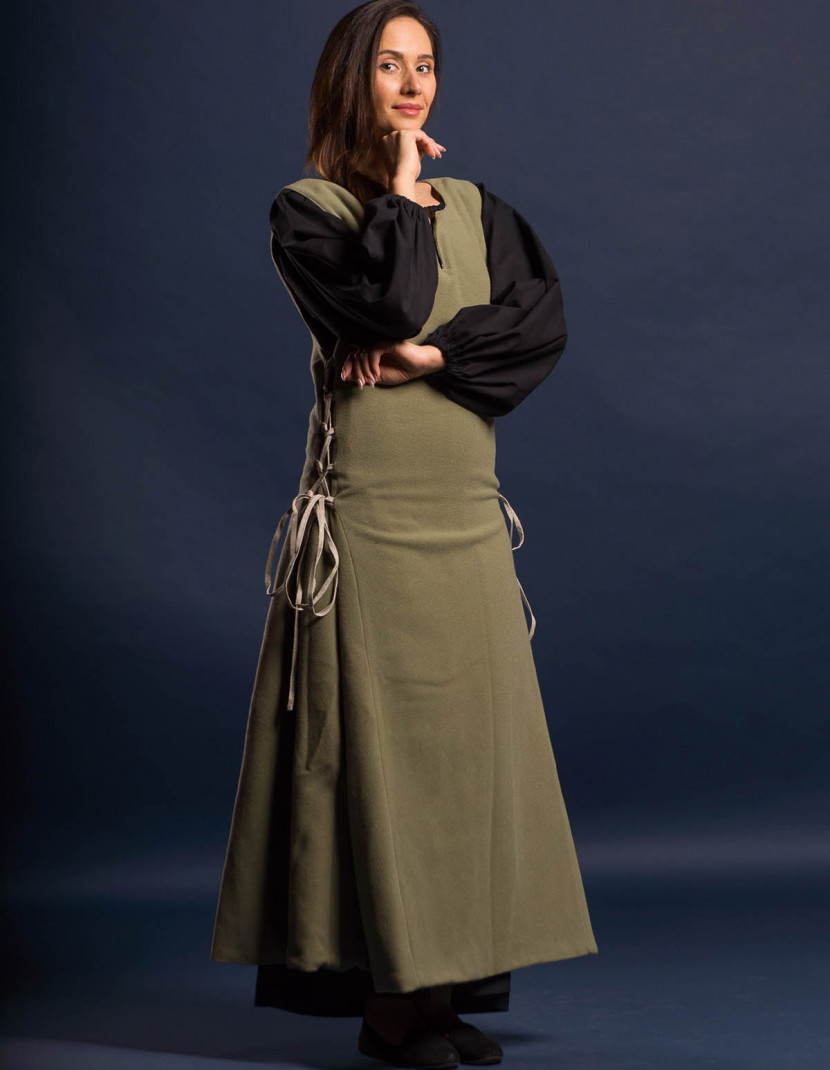 GREEN MEDIEVAL PRINCESS DRESS photo made by Steel-mastery.com
