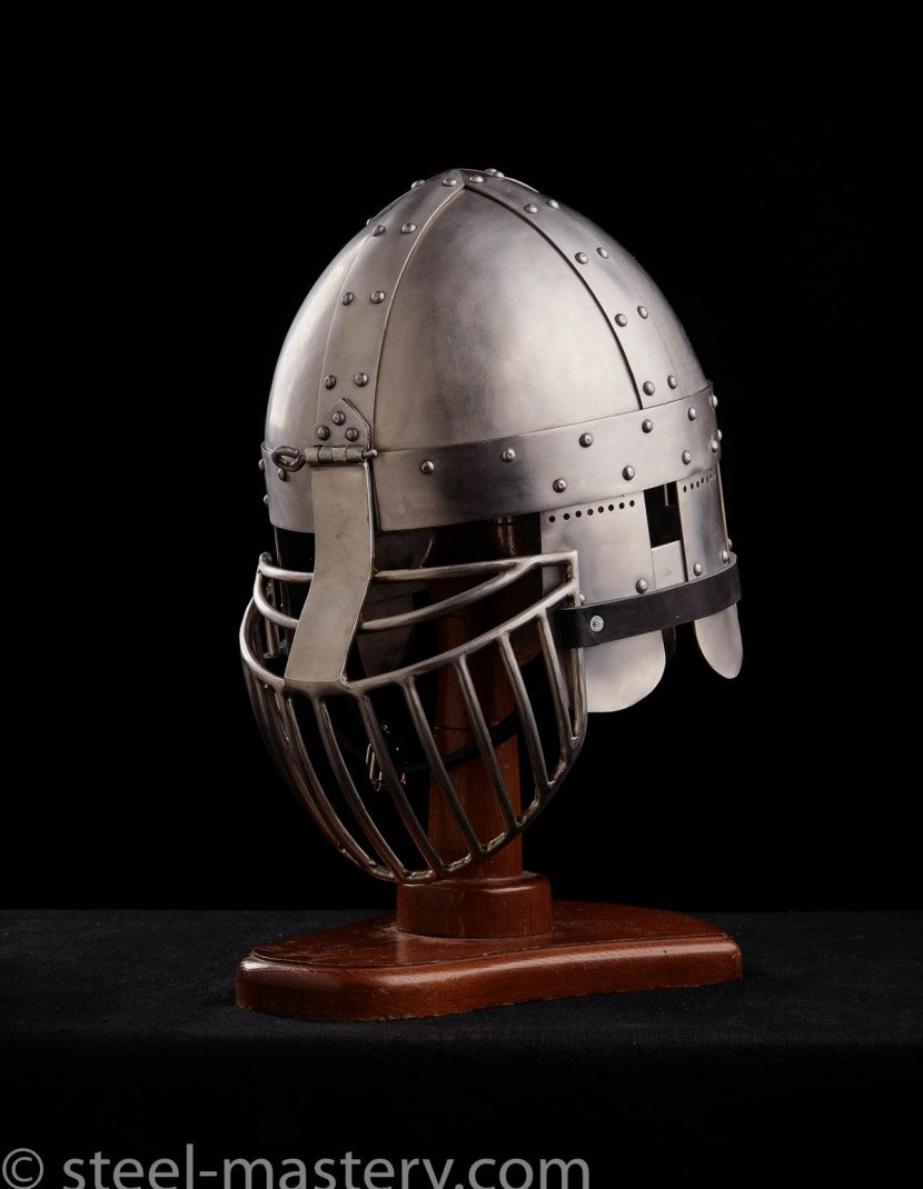 HELMET WITH TWO VISORS photo made by Steel-mastery.com