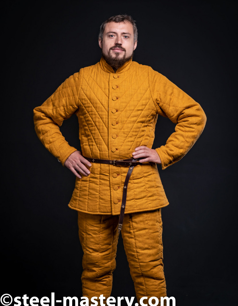 GAMBESON AND CHAUSSES FENCING SET photo made by Steel-mastery.com