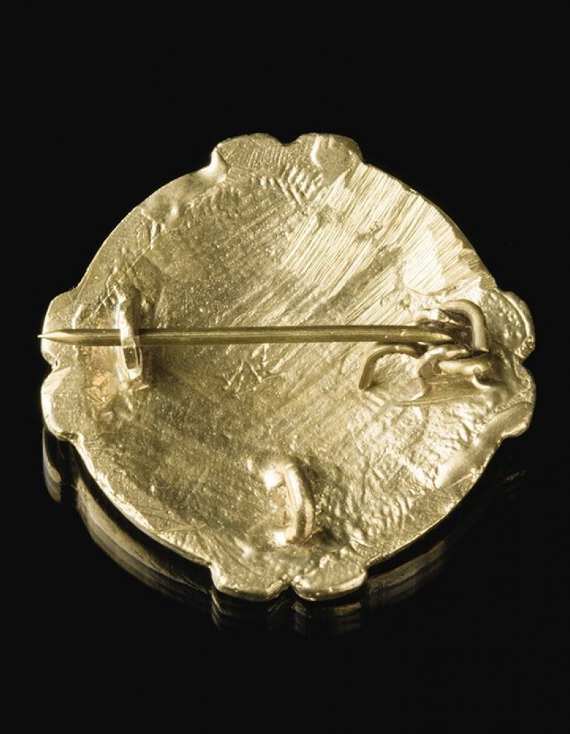 Custom decorative viking disc brooch photo made by Steel-mastery.com