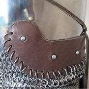 steel vervelles and leather for aventail