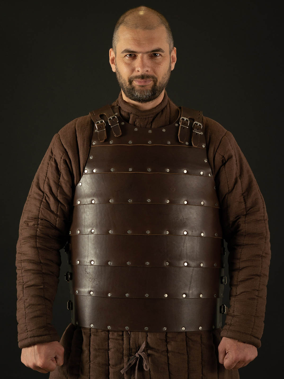 Be in style of the XIV century in leather brigandine!