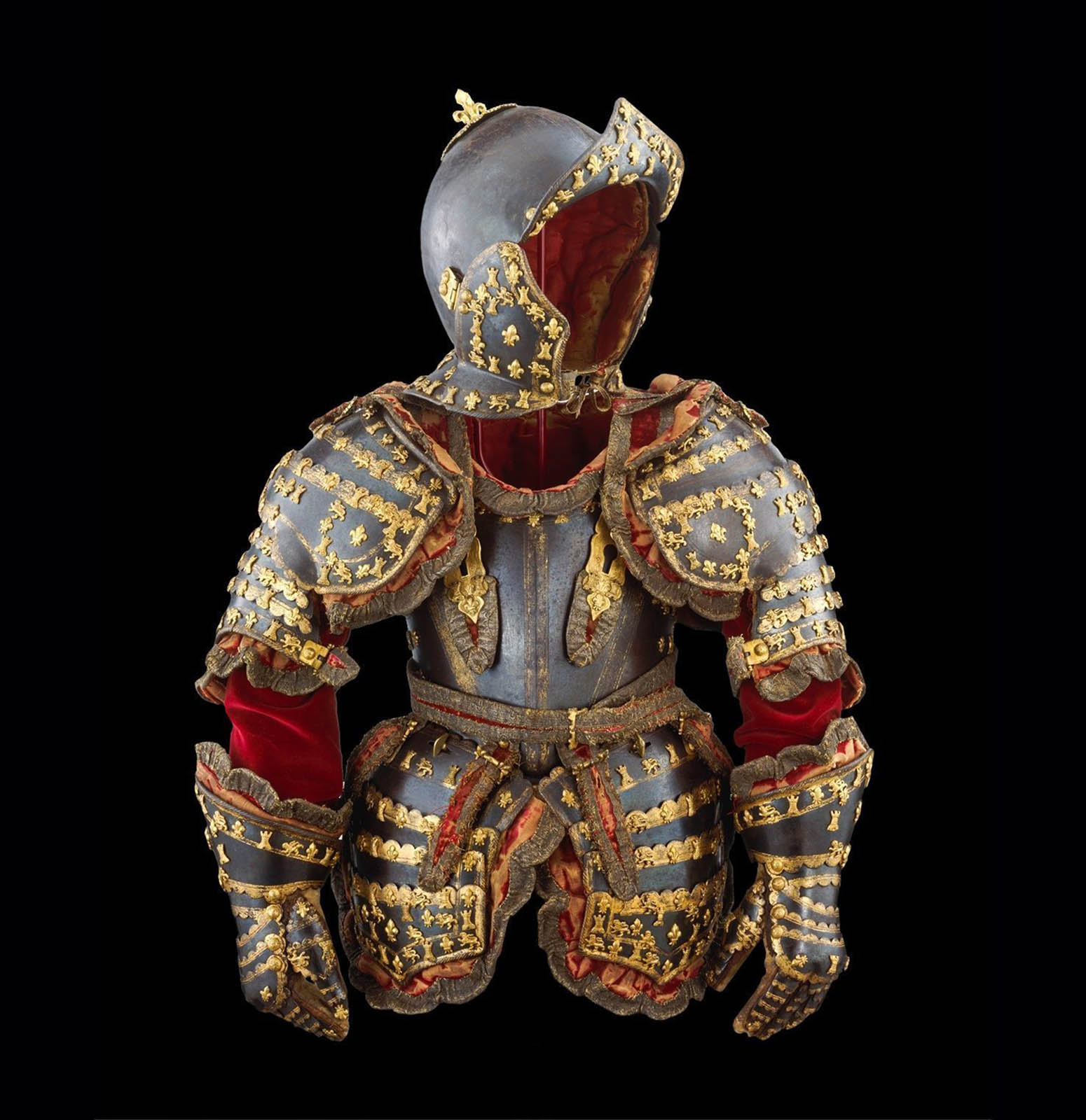 Parade_armour_of_the_5years_old_infante_Louis_Prince_of_Asturias_last_royal_armour_that_was_made_in_Europe_Circa_1712_year