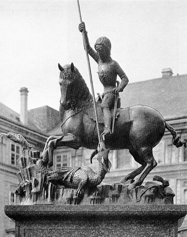 saint_george_statue_in_prague