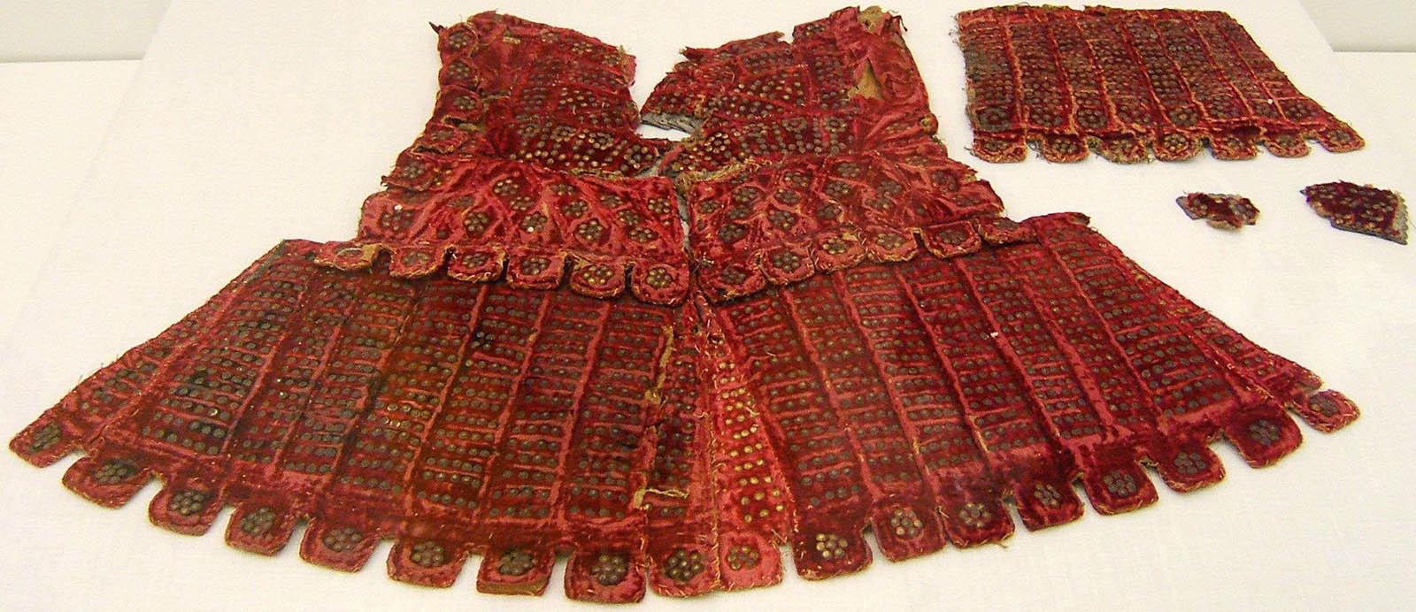 Brigandine_suit_XV_-_XVI_centuries_Army_Museum_of_Toledo_Alcázar_Spain