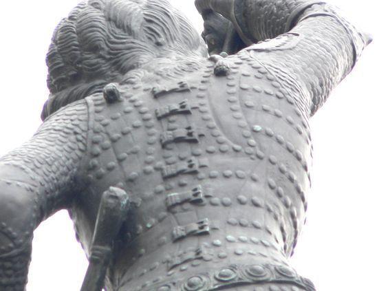 saint_george_statue_in_prague_2