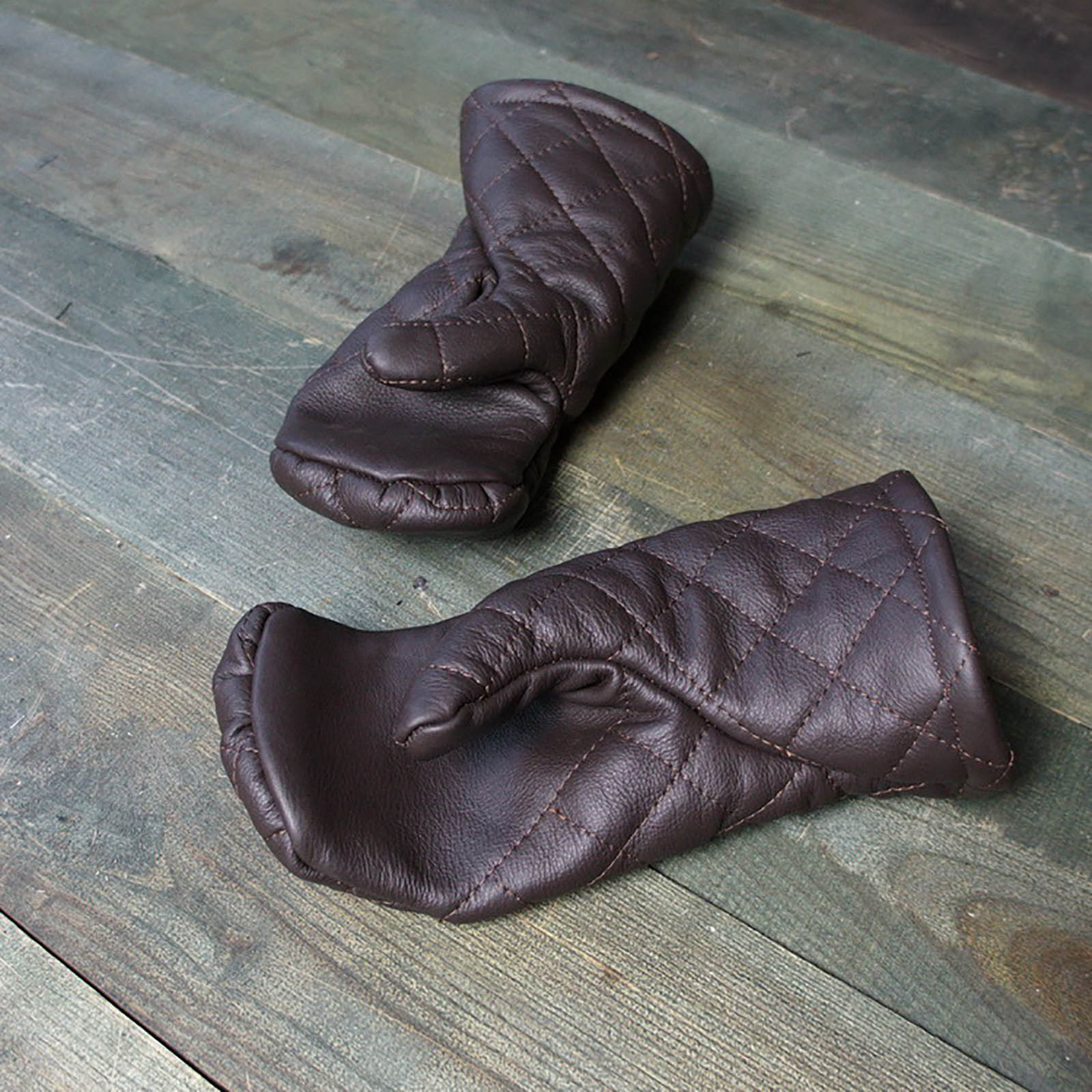Leather mittens with diamond stitching - new item on our web-site!