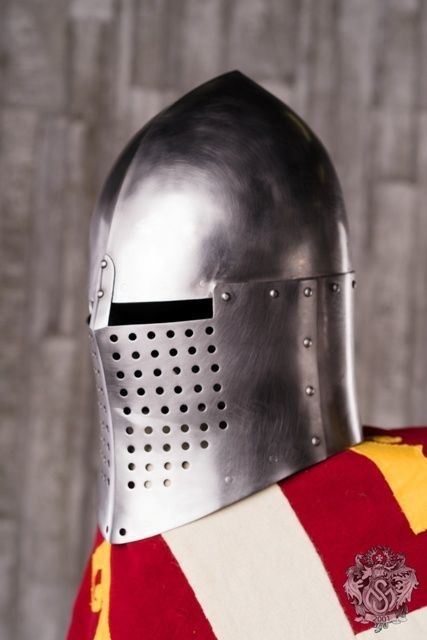 Knightly closed helmet of the 13th century